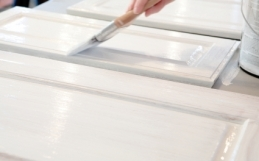 Painting Kitchen Cupboards and Drawers