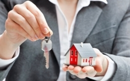 Should I Go Into Real Estate? 10Things to Consider.